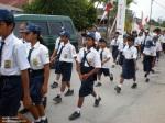 21-siswa-smp-menuju-lapangan-upacara