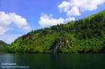 Riyanthi-Danau Toba-Batu Gantung2